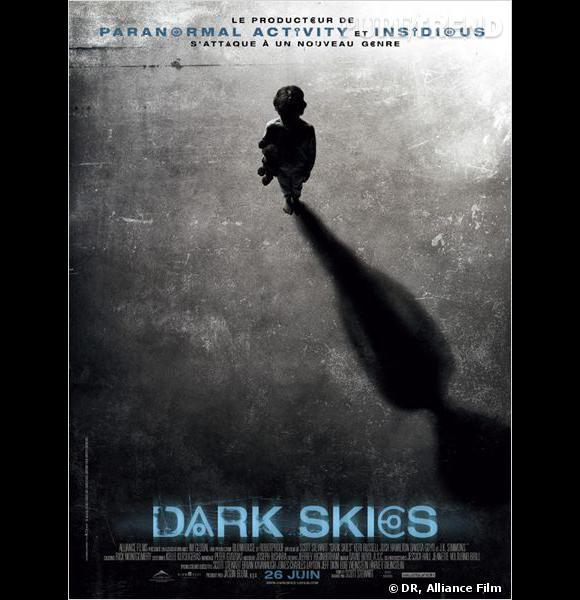 """""""Dark Skies"""" avec Keri Russell, l'affiche."""