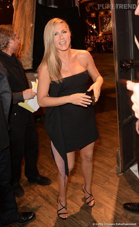 Jennifer Aniston mise sur une robe noire bustier Christian Dior aux Spike TV Guys Choice Awards.