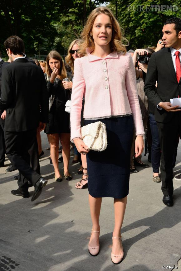 Natalia Vodianova mise sur le rose poudré au défilé Chanel Haute Couture Automne Hiver 2013-2014.