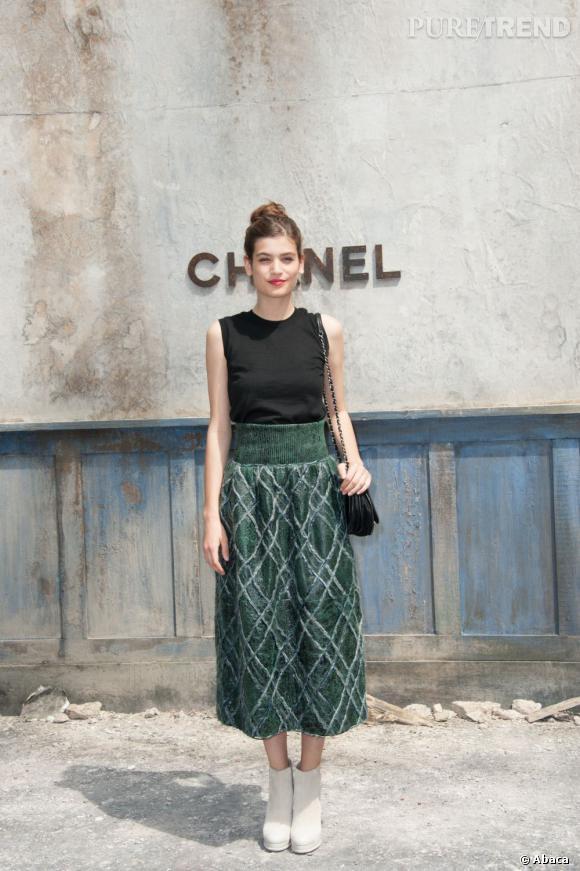 Alma Jodorowsky au défilé Chanel Haute Couture Automne Hiver 2013-2014.
