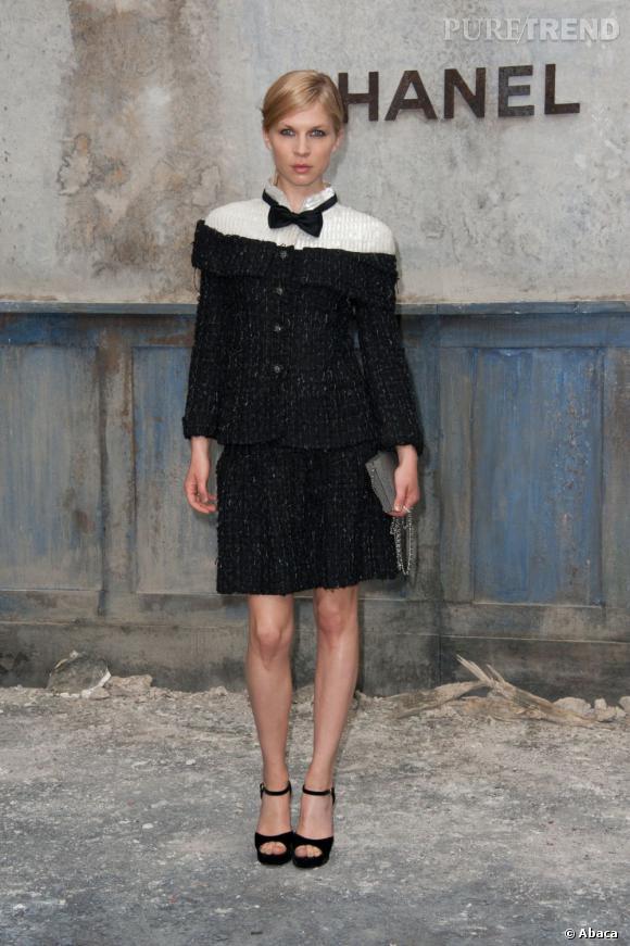Clemence Poesy au défilé Chanel Haute Couture Automne Hiver 2013-2014.