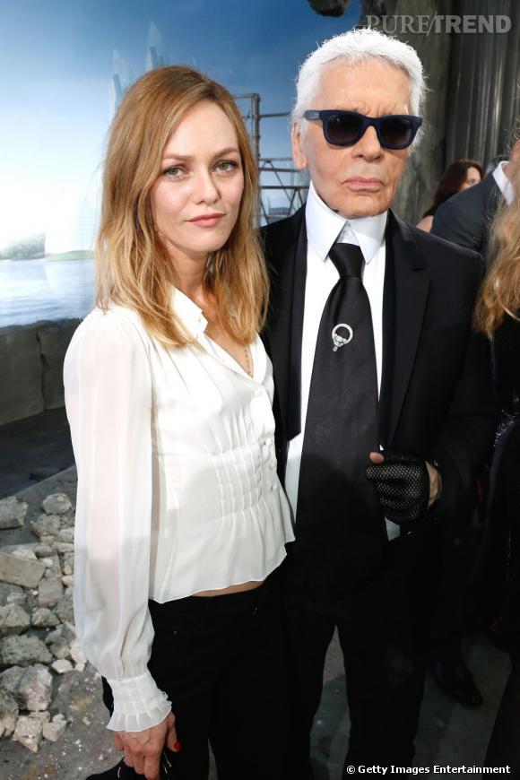 Vanessa Paradis et Karl Lagerfeld au défilé Chanel Haute Couture Automne Hiver 2013-2014.