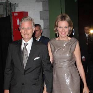 La Princesse Mathilde de Belgique et son époux, le Prince Philippe de Belgique, très sobres mais élégants.