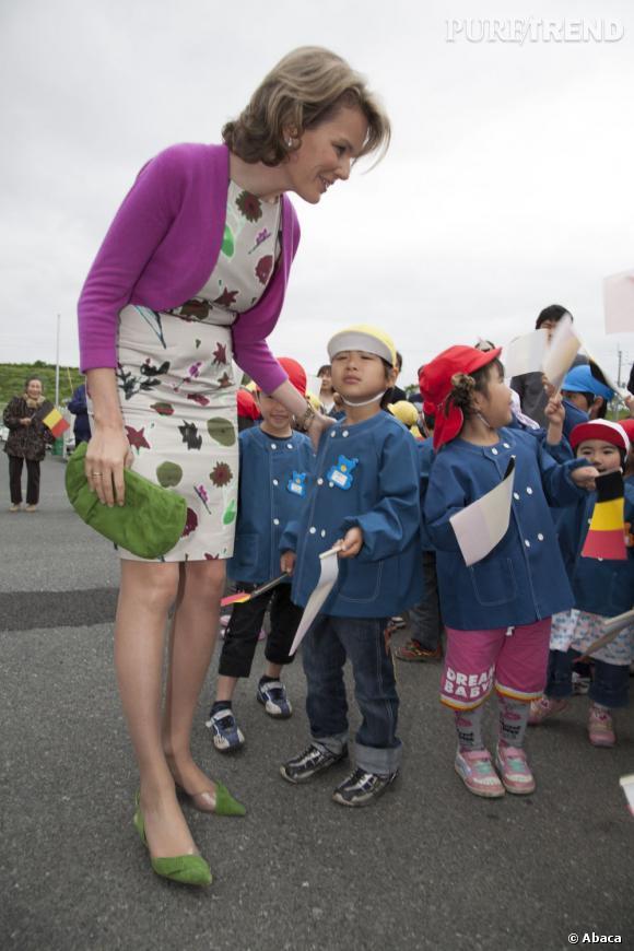 La Princesse Mathilde de Belgique en visite au Japon en 2011, après le tsunami.