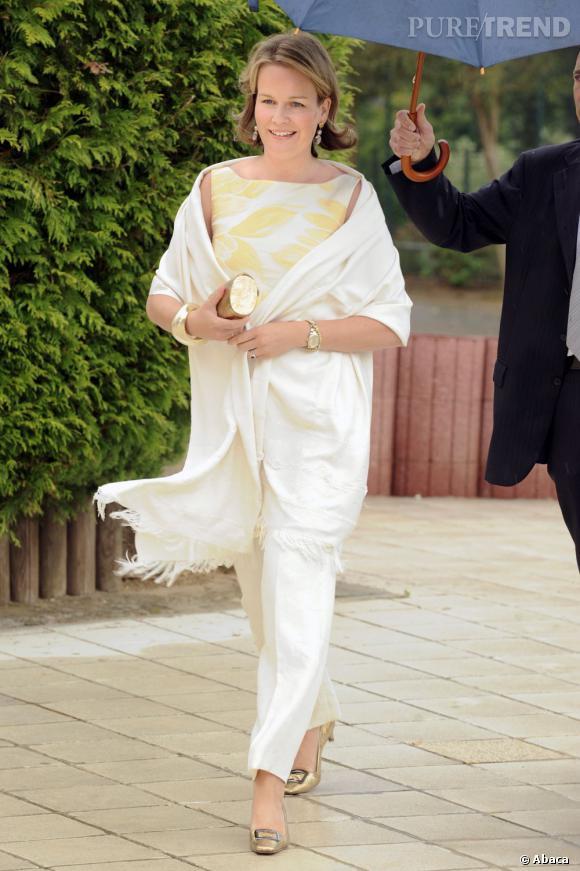 La Princesse Mathilde de Belgique, lumineuse.