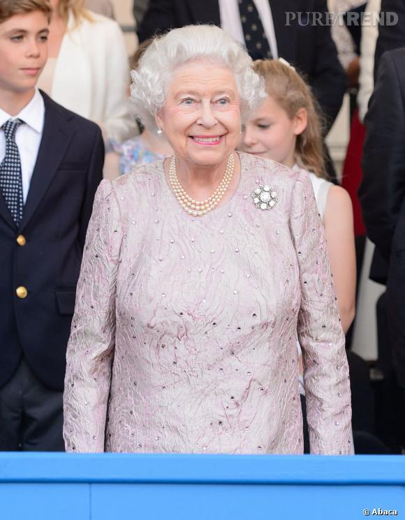 La reine Elizabeth II l'a avoué, elle a hâte que le bébé royal arrive !