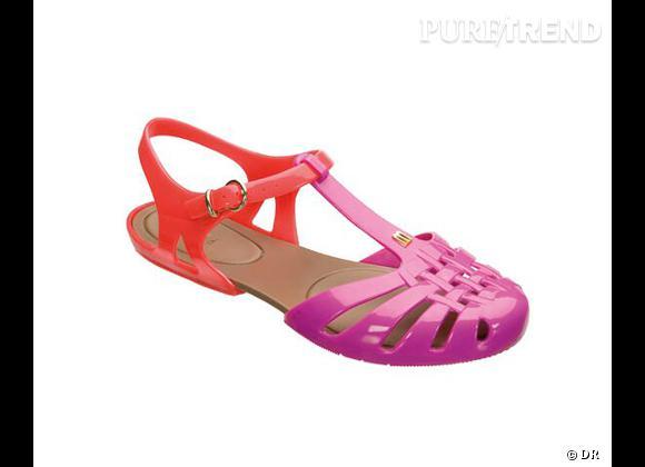 Méduse, espadrilles, tongs : à chacune ses it-shoes pour les vacances Sandales Spider Melissa, environ 55 €