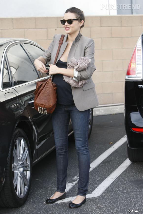 Stars enceintes :     Le flop de Miranda Kerr :  le top modèle n'a pas fait pire que ça... quand on vous dit que la perfection existe...