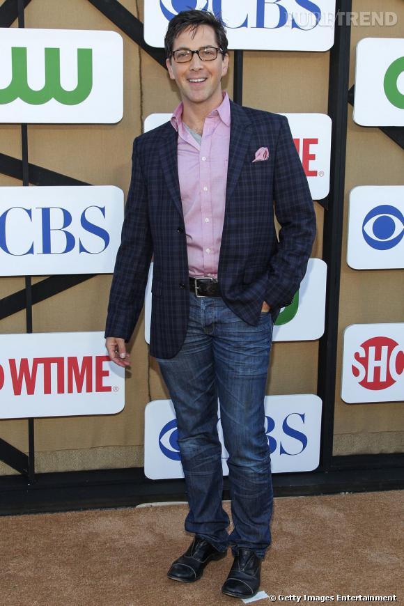 """Dan Buckatinsky de la série """"Scandal"""" à la soirée de l'été CW, CBS et Showtime."""