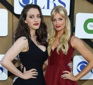"""Kat Dennings et Beth Behrs de """"2 Broke Girls"""" à la soirée de l'été CW, CBS et Showtime."""