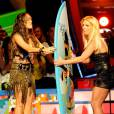 Miley Cyrus et Britney Spears ensemble aux Teen Choice Awards en 2009.