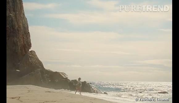 Chanel et Diane Kruger nous transportent vers une plage de rêve.
