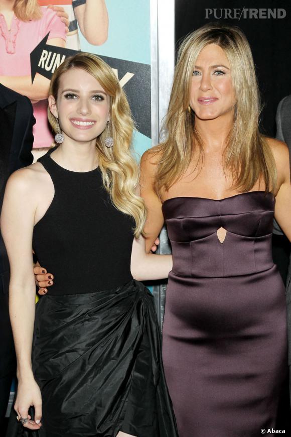 Jennifer Aniston et Emma Roberts à la première de Les Miller