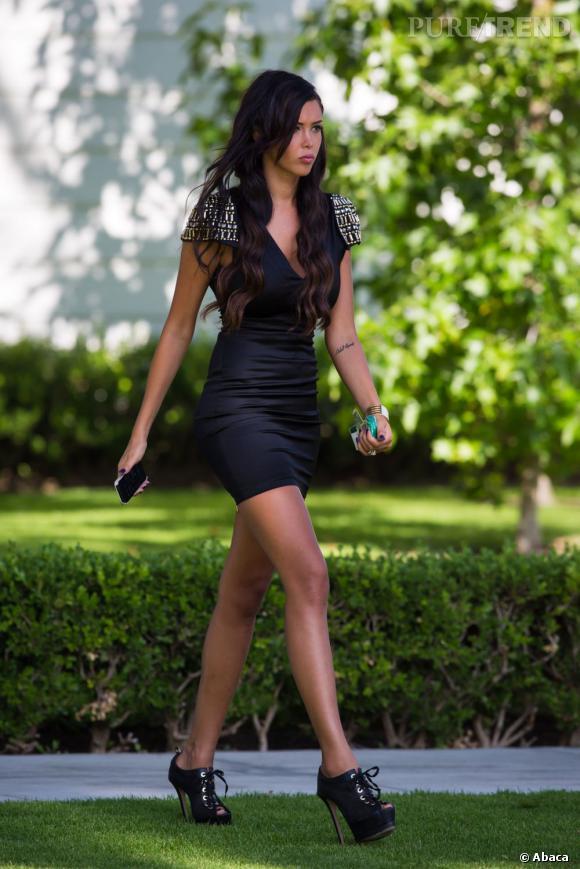 Nabilla Benattia, des jambes interminables et une silhouette à tomber.