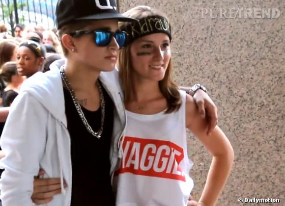 profitant de la venue de Justin Bieber à Boston, un jeune garçon s'est fait passer pour lui... Et ça a fonctionné !