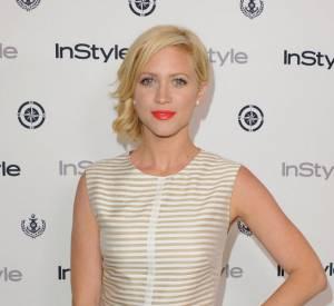 Brittany Snow en Lela Rose et sandales Ruthie Davis lors de la soirée d'été d'Instyle magazine.