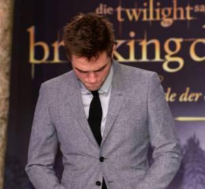 Robert Pattinson : son meilleur partenaire sexuel a l'ecran ? Sa main...