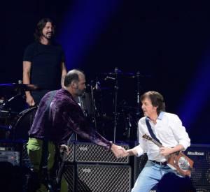 Paul McCartney remplace Kurt Cobain le temps d'une soirée et reforme Nirvana.