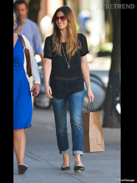 Jessica Biel s'offre une petite séance shopping.