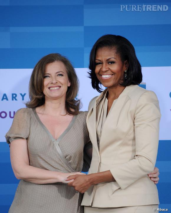 Valérie Trierweiler n'a pas hésité à se comparer à Michelle Obama pour s'expliquer sur ses premiers faux pas en tant que Première Dame...