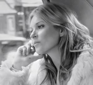 Nouvelle campagne Stuart Weitzman avec Kate Moss.