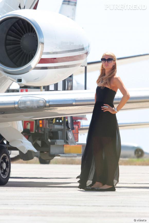 Paris Hilton et son jet privé à Ibiza.