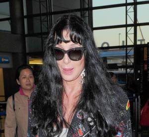Cher a l'aeroport : star perdue, cheveux gras... le flop mode