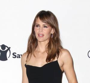 Jennifer Garner : bonne eleve sur tapis rouge, elle se laisse aller dans la rue
