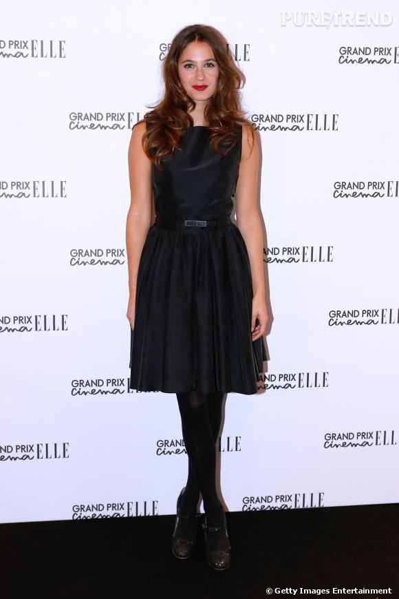 """Mélanie Bernier, la séduction en petite robe noire los de la soirée """"Grand Prix du Cinema"""" du magazine Elle le 7 octobre à Paris."""