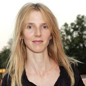 2005, Sandrine Kiberlain ne se préoccupe pas tellement de son beauty look.