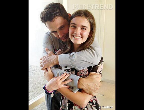 """James Franco n'a pas hésité à aider une fan déprimée en lui offrant une """"photo vengeance"""" !"""