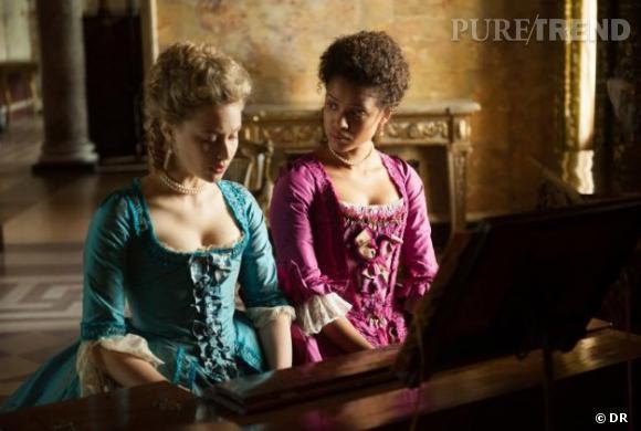 """Sarah Gadon et Gugu Mbatha-Raw dans """"Belle"""", prévu pour 2014."""