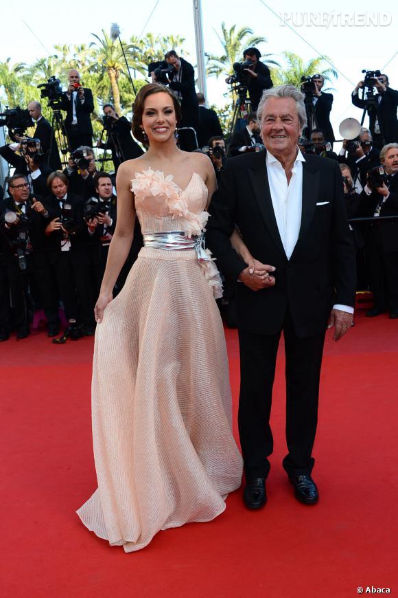 Adieu les Miss France à son bras ! Alain Delon quitte le comité Miss France...