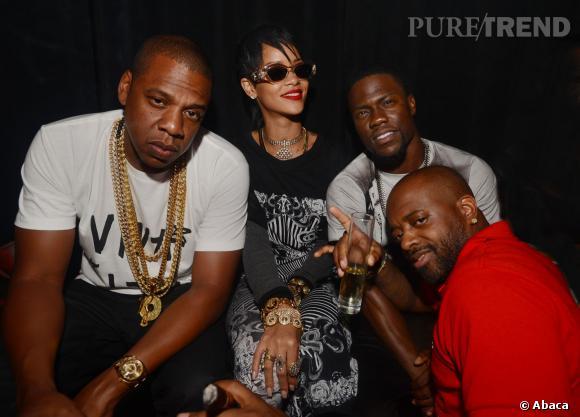 Rihanna bien entourée, un peu trop selon Chris Brown !