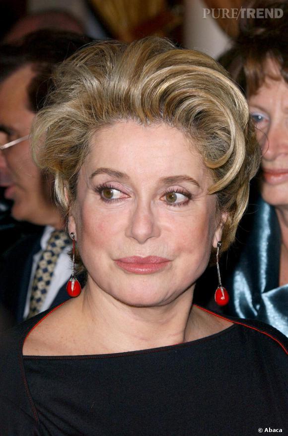 Catherine Deneuve en 2005, le même visage que 10 ans auparavant.