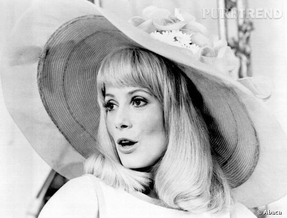 """Catherine Deneuve, c'est aussi """"Les Demoiselles de Rochefort"""", en 1967."""