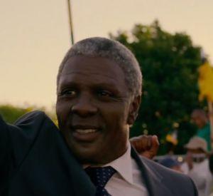 """Trailer officiel du biopic """"Mandela, un long chemin vers la liberté""""."""