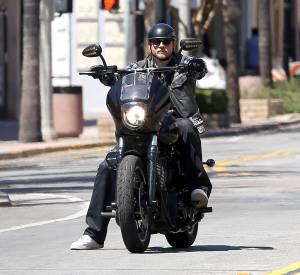 """Charlie Hunnam préfère se concentrer sur la série """"Sons of Anarchy""""."""