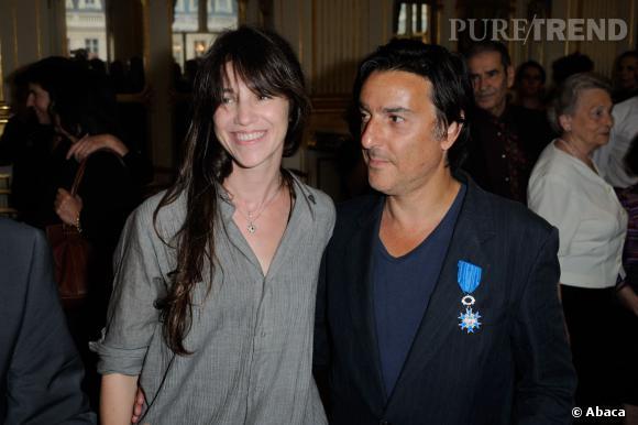 Charlotte Gainsbourg et Yvan Attal, une demande en public.