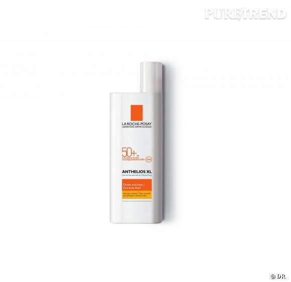 Pour éviter les taches dans le décolleté et conserver une jolie peau, rien de tel qu'une bonne protection solaire. Anthelios XL Indice 50 par Laroche Posay, environ 10,50 €.