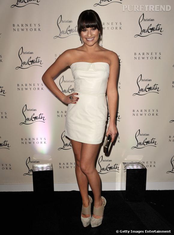 Lea Michele préfère le cuir immaculé.