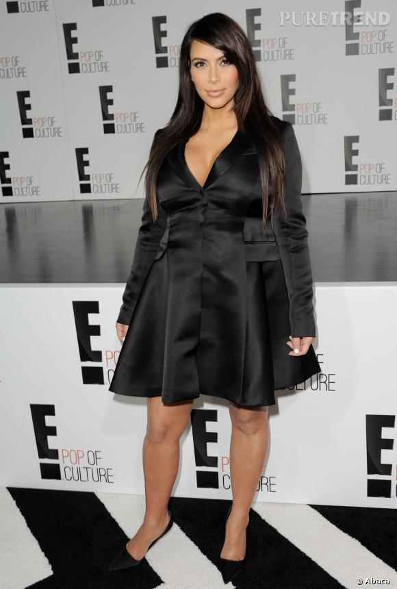 a92b83493b3 Même Kim Kardashian mise sur le manteau robe Christian Dior ! Ici ...