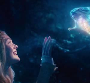 Dans la bande-annonce, on découvre aussi le personnage de la Belle au Bois Dormant, joué par Elle Fannning.