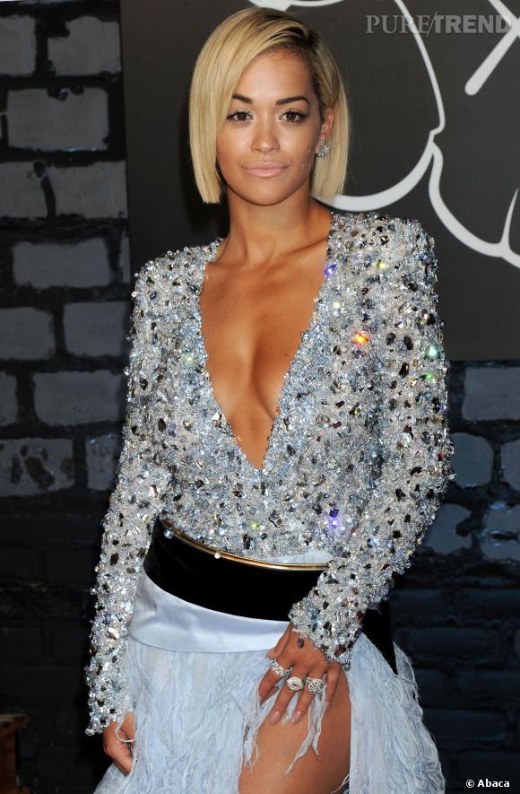 Rita Ora passera-t-elle au noir corbeau pour les besoins du rôle ?