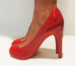 12 exs, 12 chaussures : le concept fou d'un artiste américain