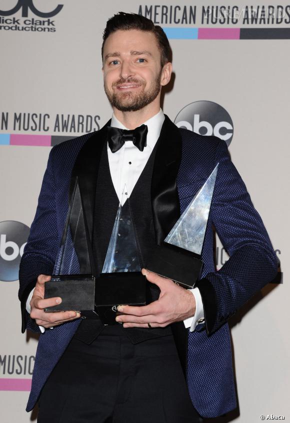 Justin Timberlake a eu une année 2013 très chargée, il a gagné trois American Music Awards pour son troisième album solo.