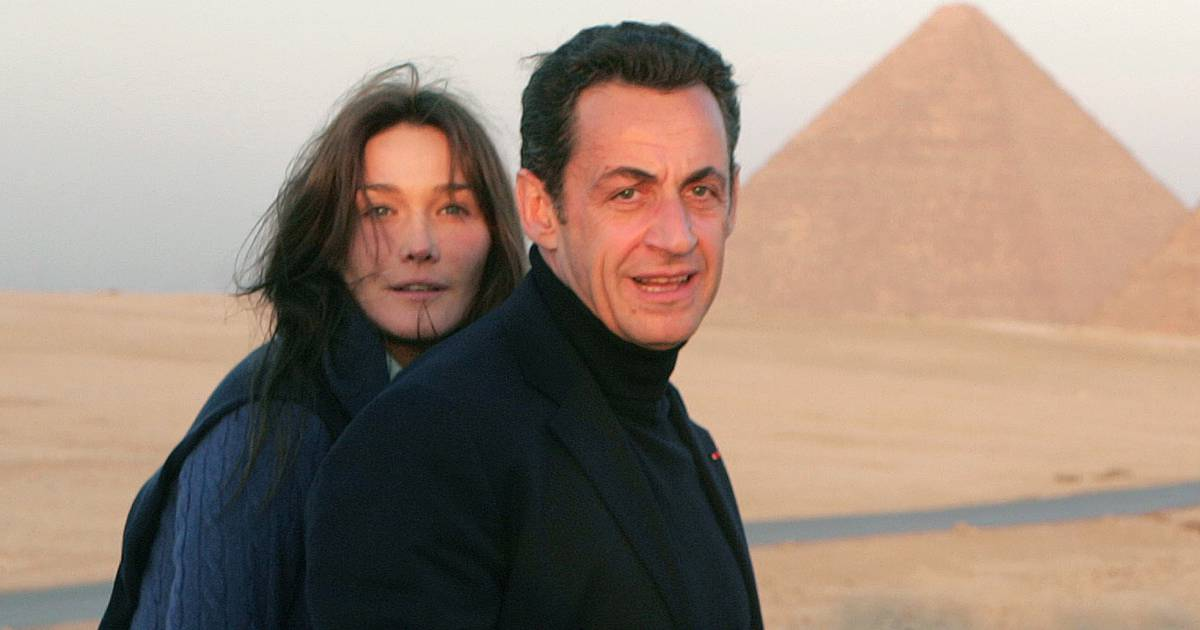 carla bruni sarkozy 46 ans et 5 ans de mariage avec nicolas sarkozy puretrend. Black Bedroom Furniture Sets. Home Design Ideas