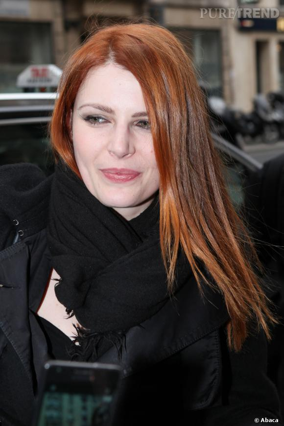 Elodie Frégé, sublime rousse, ne veut plus être une potiche.