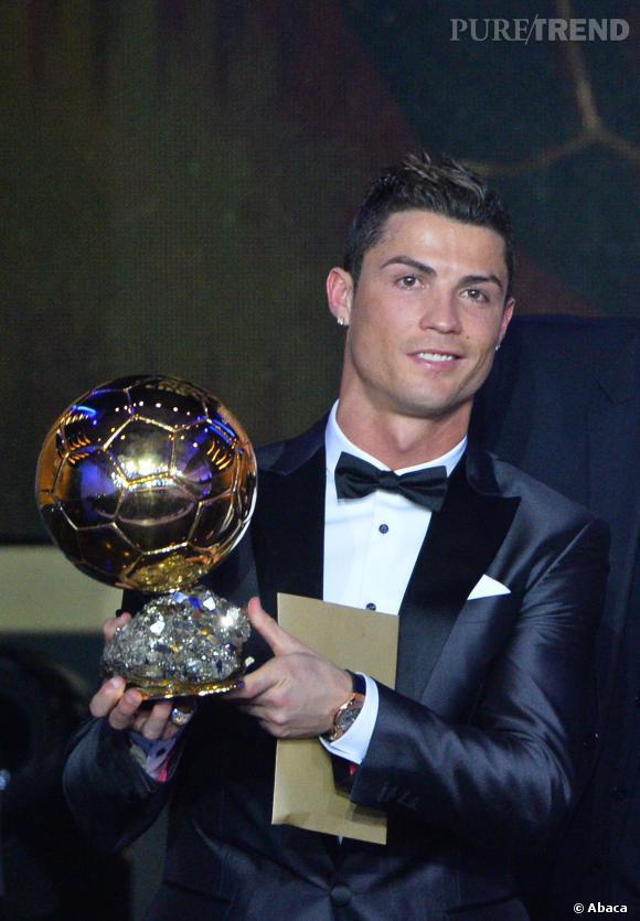Cristiano Ronaldo remporte le Ballon d'Or 2013.
