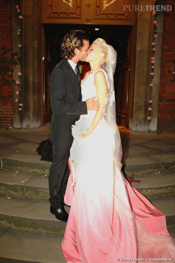 Gwen Stefani fait sensation dans une robe Christian Dior par John Galliano.